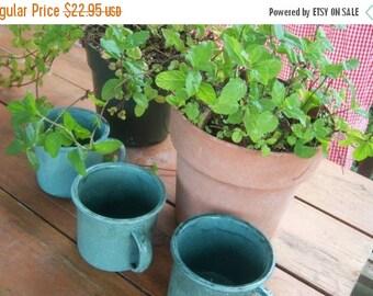 Vintage Enamelware Blue Green Splatter Coffee Cups Set Camp Picnic Summer Coffee Tea Lovers 4 Cup