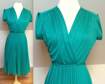 Vintage V Neck Green Women's Dress