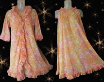 Vintage Vanity Fair Peignoir - 50s Nylon Robe & Nightgown Set - Amazing Balloon Ruffles