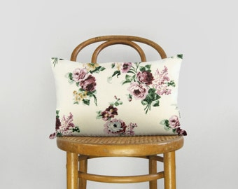 Floral pillow case | Oversized flowers in pink, burgundy, white & beige | Vintage inspired decorative cushion cover | 12x18 or 16x16