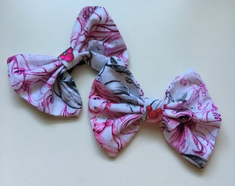 Princess sketch flip flop bows with hot pink Mickey jewel
