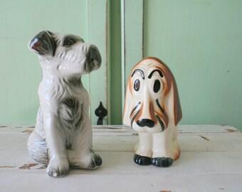 Vintage DOG LOVERS Figurine Set of 2.....ceramic dog. pet lover. kitsch. retro. brown dog. lassie. housewares. home decor. figurine. novelty