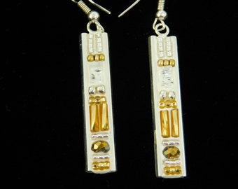 Deco Style Earrings in White and Gold