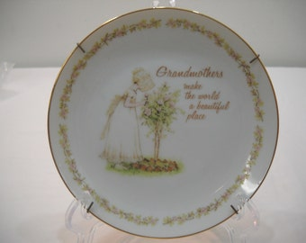 1978 Lasting Memories Grandmother Collectors Porcelain Plate With Wall Hanger