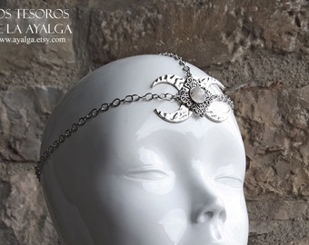 Chain headpiece moonstone
