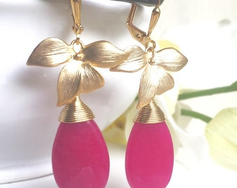 Fuchsia Pink and Gold Orchid Dangle Drop Earrings.  Hot Pink Dangle Bridesmaid Earrings. Jewelry Gift.  Summer Wedding Jewelry.