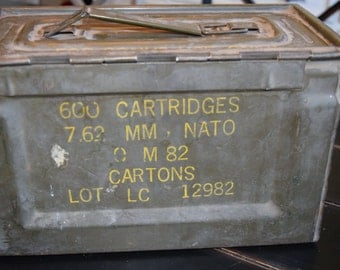 Vintage Ammo Box/ Cal 50 MM/ Green Army Issue/