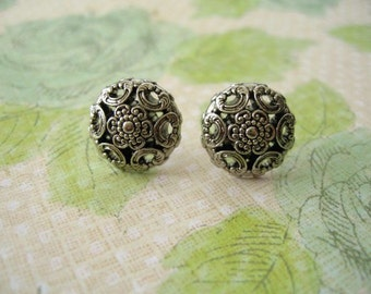Buttons Jewlery, Vintage Style Buttons Earrings, Light Weight Buttons Jewelry Post