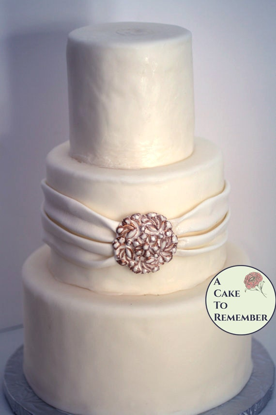 edible diamonds wedding cake diy wedding cakes edible brooch wedding cake by 13896