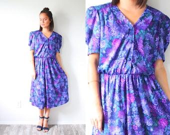 Vintage purple floral short sleeve garden dress // modest summer dress // Medium small purple dress // fall summer dress // button down