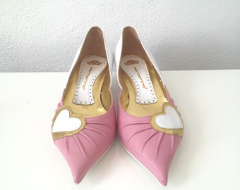 90s Pink White and Gold Heart Leather Pumps