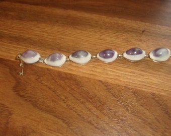 vintage bracelet goldtone purple white shell