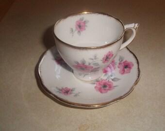 vintage bone china tea cup saucer set roslyn england pink flowers