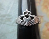 unique vintage sterling silver ring - Irish, claddagh, size 8