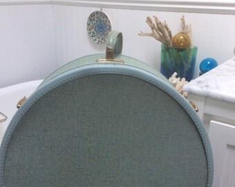 Samsonite Round Train Case Luggage Blue
