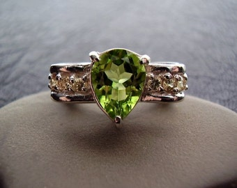 Bow - Genuine Peridot & Yellow Sapphire Ring - Sterling Silver Ring - Engagement Wedding Ring - Pear Cut Statement Ring - August Birthstone