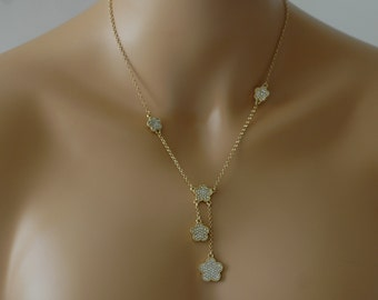 Clover Necklace, Gold Flower crystallized Necklace, Crystal Necklace, Crystal Clover Necklace, Gift for her, Short necklace, everyday use