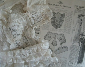 Frilly Lace Ladies Collar  Jabot  Victorian Dress Collar    Collectible Vintage Accessory