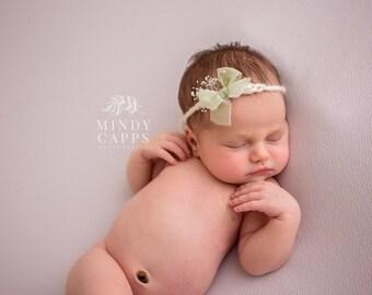 Newborn Headband, Newborn yarn tieback, Newborn photo prop, yarn headband, Mauve headband, Newborn tieback, Wool Yarn headband