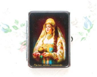 Vintage Pill Box - Russian Fedoskino Princess