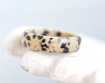 Speckled Stone Band Ring - Size 6.5 - Beige and Black