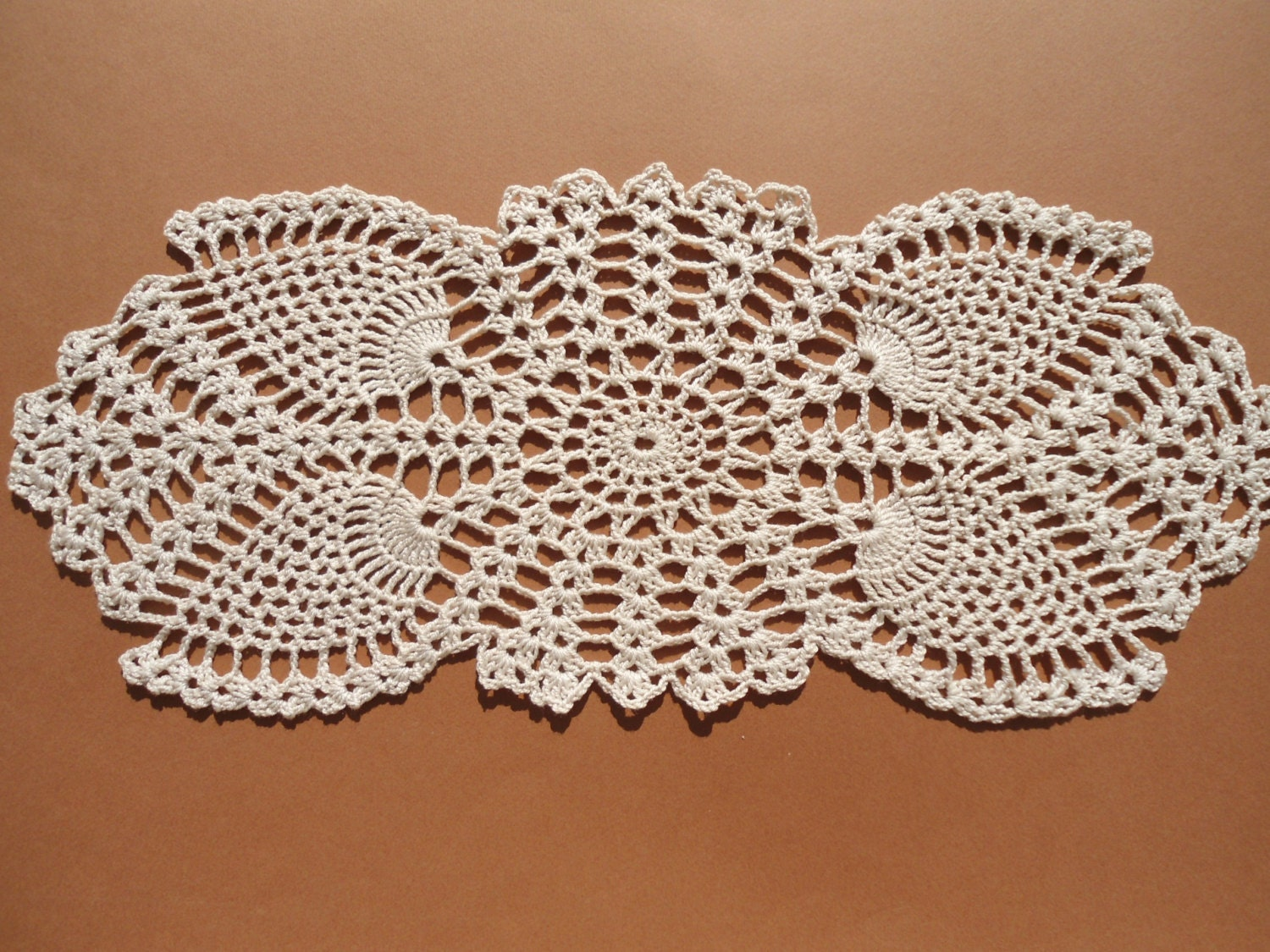 oval crochet doily new hand crocheted doilies ecru doily. Black Bedroom Furniture Sets. Home Design Ideas