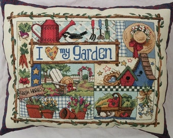 Love My Garden Pillow