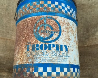 Rusty blue and whitebucket, metal bucket, vintage bucket