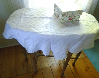 Round Rose Damask Tablecloth / Vintage White Damask Tablecloth / White Cotton Tablecloth / Rose Pattern / Fluffy / French Cottage ChicDecor
