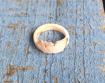 Vintage Carved Shell Bird Ring