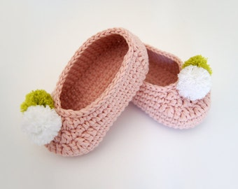 Crochet baby shoes. Mary Jane shoes. Baby girl crochet shoes. Crochet ballerina. Baby gift. Baby shower gift. Crochet shoes. Scarpe crochet.