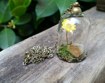 Terrarium necklace with yellow flower and citrine Crystal