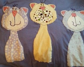 MInky Appliqued Kitties SIZE:  2XL