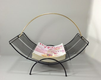 Magazine Stand Mid Century Modern Black Mesh with Gold Handle, Magazine Holder, Magazine Stand, Black Metal Magazine Stand Rack Curved Shape
