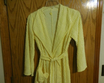 Vintage Sunshine YELLOW Wavy Lined Chenille ROBE with a Pink & Blue Flower, Green Leaves and Golden Scrolls BATHROBE - Free Shipping