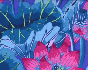 LAKE BLOSSOMS-blue by the half yard Kaffe FASSETT Classics cotton quilt craft fabric large pink flowers on blue Westminster Fibers-gp93