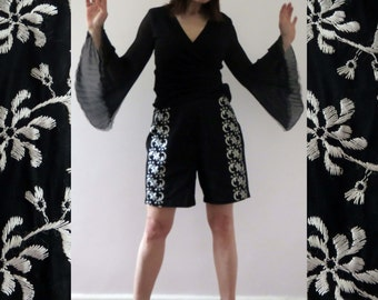 Vintage 50s Black White Embroidered High Waist Shorts Small