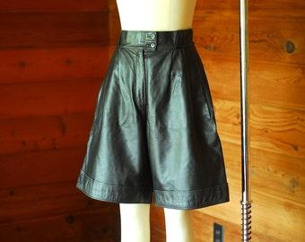 vintage Italian black leather culottes / size medium