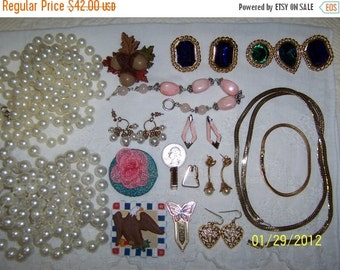 20 OFF EVERYTHING Vintage Jewelry(Lot 43). Medium and Small XX.