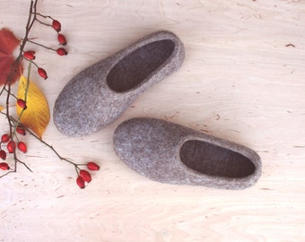 Women's slippers - felted organic wool slippers - felted wool house shoes - made to order - eco friendly - brown