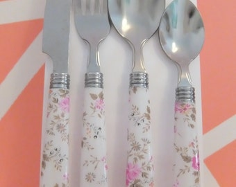White Pastel Floral Cutlery Set