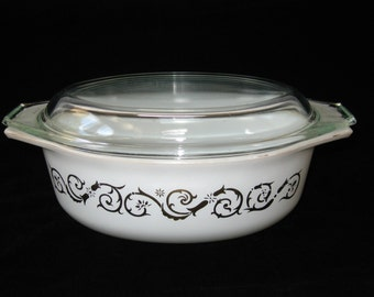 Pyrex  EMPIRE SCROLL VINES 1961 Promotional Covered Casserole #24 - 1-1/2 Qt Oval Baking Dish w/ Lid