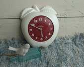 1940's Apple Working Wall Clock by Seth Thomas - Vintage Apple Kitchen Time Keeper, Retro Kitchen + Home Decor Wall Clock, Keeping the Time