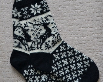 Wool Socks, Norwegian Scandinavian folk art, hand crafted 100% Wool, Fair Isle Reindeer, size  Large
