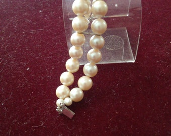 Shell Preal Bracelet with Silver Slide Clasp