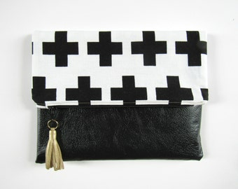 Black and White Foldover clutch | Geometric foldover clutch | Vegan leather bag | Leather foldover bag