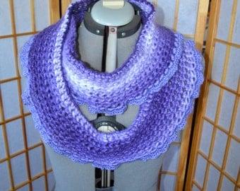 Purple Ombre Chunky Infinity Scarf w. Ruffle Edge
