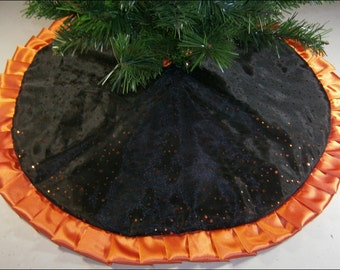 """Tapered / Pencil Halloween Tree Skirt - 32"""" - Black with Orange Dots"""
