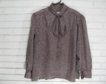 Vintage Dianne Von Furstenberg bow blouse size  44/24W