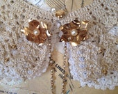 Vintage Sweater Clip 1950's Goldtone Pearl Flower